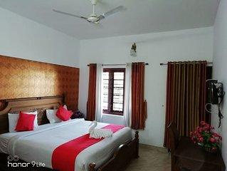Linten Holiday Resort, Property Set in Munnar.4.7km from MUNNAR Town