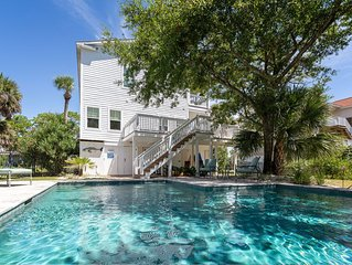 The Nautilus: 4 BR / 3 BA home in Tybee Island, Sleeps 10