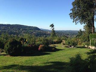 Beautiful Garden Apartment in private home in Oregon City