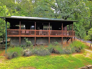 The Nest Nice 2 bedroom 1 bath cabin with Mountain Views near Hayesville NC