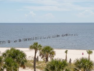 Condo Directly On The Beach In Pass Christian! 2 Bedroom / 2 Bath- Sleeps 6!
