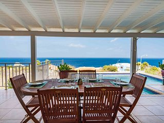 Magnificent 180 degree view of Caribbean pool Villa - in Coral Estates Curacao