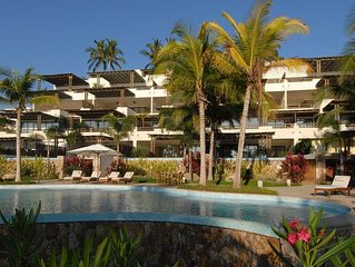 Los Veneros beachfront - with personal chef and jacuzzi - next to the W hotel.