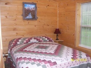 American Pines Cabin, 5 Miles from Mt. Rushmore!