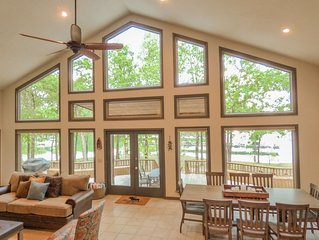 New Listing! Fairfield Bay Lakefront home w/ Kayaks & Ping Pong Table!