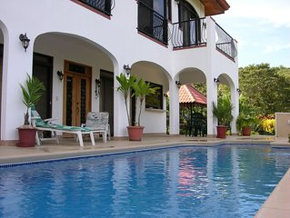 Villa with Beautiful Ocean View - 5 Minute Walk to the Beach