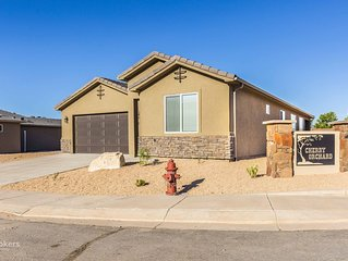 New 3 Bedroom Home near Zion Park!!