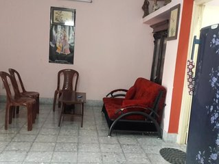 1 Bhk fully furnished apt. on ground floor centrally located in heritage bed