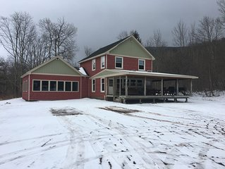 Private 6 bedroom Retreat minutes from Hunter & Windham Mountains, sleeps 14