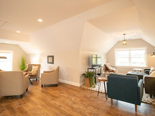 Modern/Private~ 3 bed/2 bath~ 2 blocks from Indiana University Sample Gates