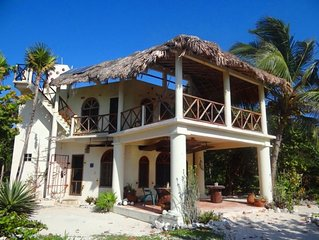 Enchanting Beach Villa- Snorkeling, Fishing, Kayaking Costa Maya Reefs