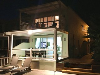 Contemporary 2BR Villa in Jolly Harbour