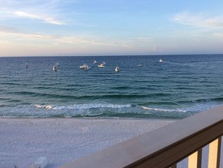 7th Heaven! Beachfront Top floor, end unit with stunning views (701)