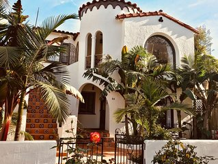1/2 block from the Beach - Newly Renovated - Casa de las Palmas