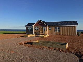 A Little peace of June-Upscale Cottage by the Sea/ Chalet de luxe sur mer