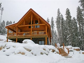 Luxury 2000 Sq Ft Cedar Log Chalets Perfect for Families or Groups