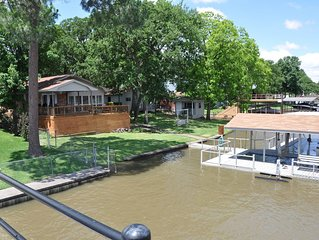 NEW Lake Front Cedar Creek Lake House with Private Boat Dock
