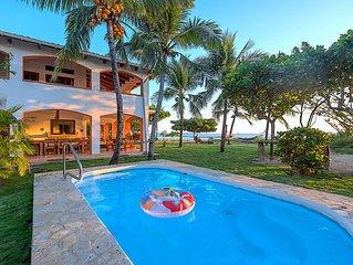 Villa Olivia: Spectacular Oceanfront Beach House Villa!