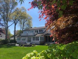 Luxurious Jamestown Beach House on the Golf Course
