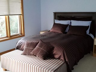 Private bedroom with shared bath near Blue Mtn Village