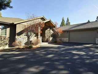 2 Red Cedar Lane: 4 BR / 3 BA home in Sunriver, Sleeps 10