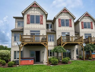Stylish & Appealing 4 Bedroom townhome with lake & ski slope views!