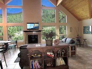 6 BDR Mountain Home 360 Views. SKI, Red rock, 24 mins to DENVER. HOT TUB!!