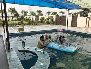 Vacation Stay  Home With Pool and Garden