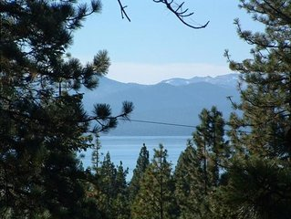 Lake View~Tahoe City~Hot Tub~WiFi~Easy Access~Plowed Big Driveway~Owner Managed.
