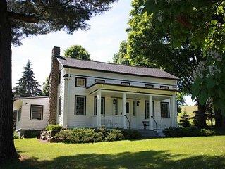 'Dreams Farmhouse' 5 miles to Dreams Park!
