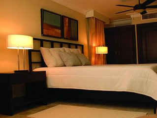 Lifestyle Resort Chairman's Circle - 1 Bedroom Royal Suite VIP Gold Bands