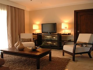 Lifestyle Resort Chairman's Circle - Royal 2 Bedroom Suite VIP Gold Bands