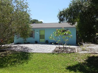 Venice Groves' Hideaway - Close to Venice beaches, quiet home, recently updated