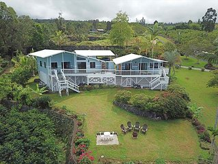 Ocean Views from Private Lanai 1 bed/1 bath Cottage  on a 100% Kona Coffee Farm!