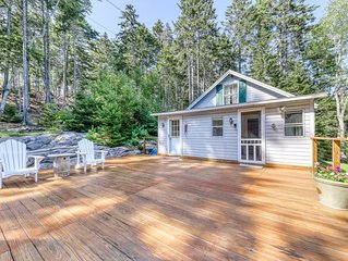 Bayview home & adjoining apartment w/ deck, shared dock & access to Linekin Bay!