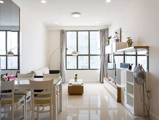 1BR apt river view ★ FREE rooftop pool, central