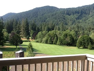 Clear Hills Condo 646- Golf Course and Mountain Views-Fireplace-Deck