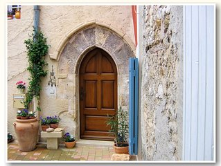 YOUR Home in Provence - with spectacular views & Air Conditioned Comfort!
