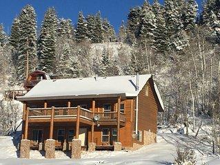 Tollgate Canyon Cabin Sleeps 10 near Park City