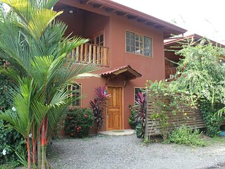 PRIVATE POOL, PERFECT FOR FAMILIES AND COUPLES, WALK TO THE BEACH, GREAT VALUE!!