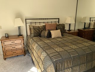 3 Bed., 3.5 Bath; Fantastic Mountain Views...Walk To Golf, Pool, Tennis & Resort