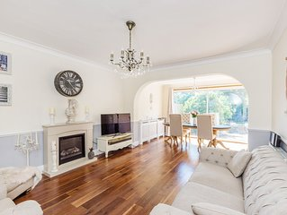A beautiful & secluded 4 bed London House with Garden facing Grovelands Park