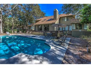 2nd Row, Large Private Pool, Close to the Beach, Seasonal Beach Shuttle!