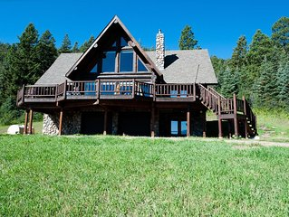 Awesome Cabin on 37 Acres - Amazing Views - Hot Tub, Firepit and Ping Pong
