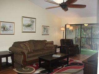 Newly Renovated!! 2/2 Condo S. Fort Myers, convenient to EVERYTHING!!