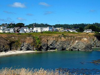 MENDO VILLAGE MONTHLY VACATION RENTAL OCEAN VIEWS DOGS OK