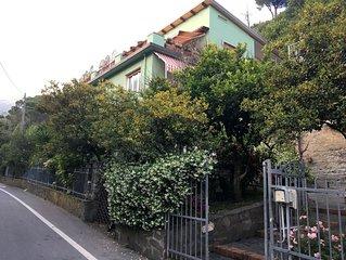 B&B Marisa - Cinque Terre - king size double room en-suite & breakfast