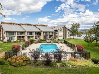 Waterfront condo w/ complimentary boat slip, shared pool, & sports courts!