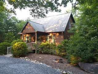 Log Cabin With Game Room, Mountain Views, 1/4 Mile From Hiking Trails