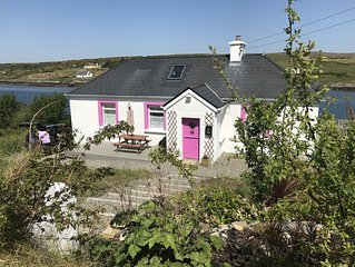 Newly refurbished traditional cottage with stunning views on Wild Atlantic Way